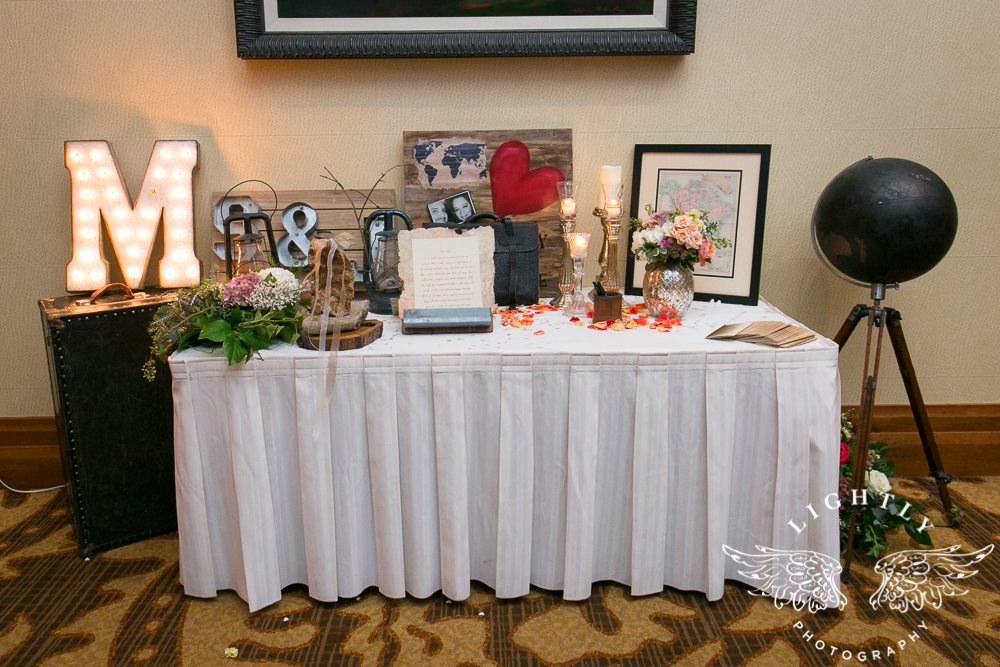 Wedding details Omni Fort Worth Bridal Blooms Randy Ro Entertainment Creme de la Creme Cakes Amanda McCollum Lightly Photography-025