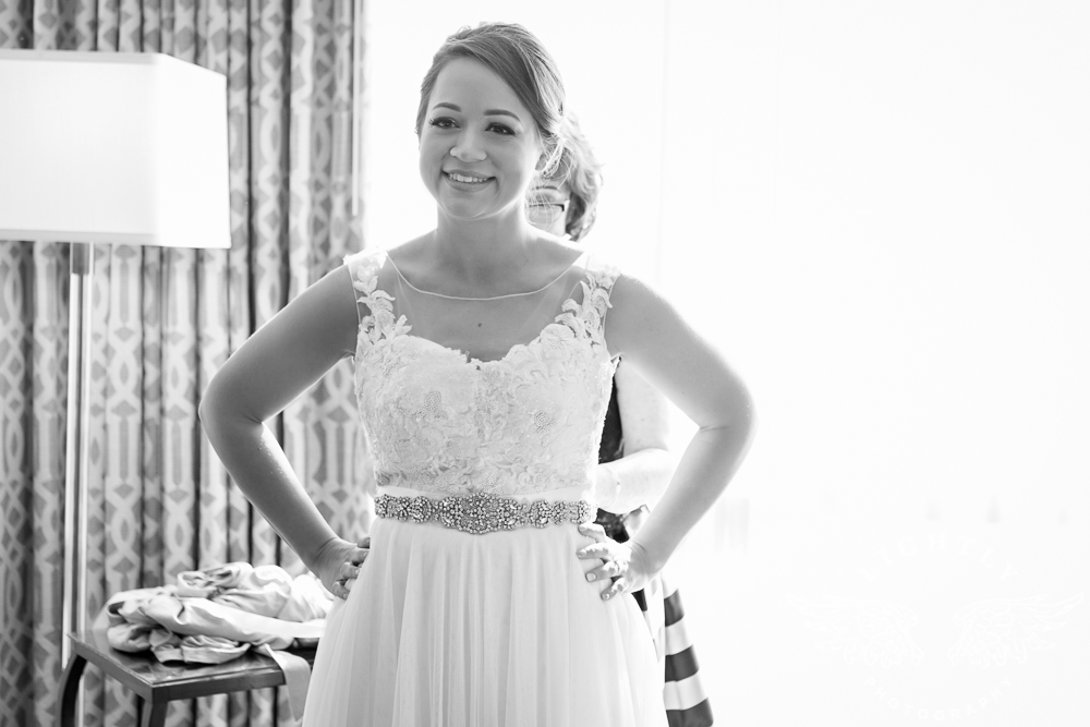 Wedding Omni Fort Worth Bridal Blooms Randy Ro Entertainment Creme de la Creme Amanda McCollum Lightly Photography-002