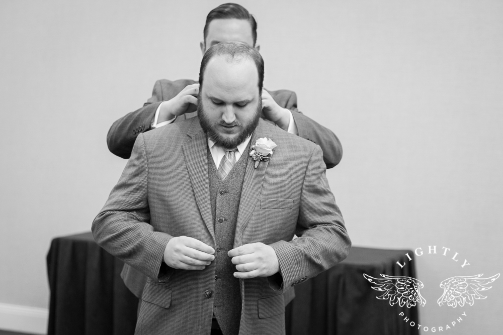 Wedding Omni Fort Worth Bridal Blooms Randy Ro Entertainment Creme de la Creme Amanda McCollum Lightly Photography-013