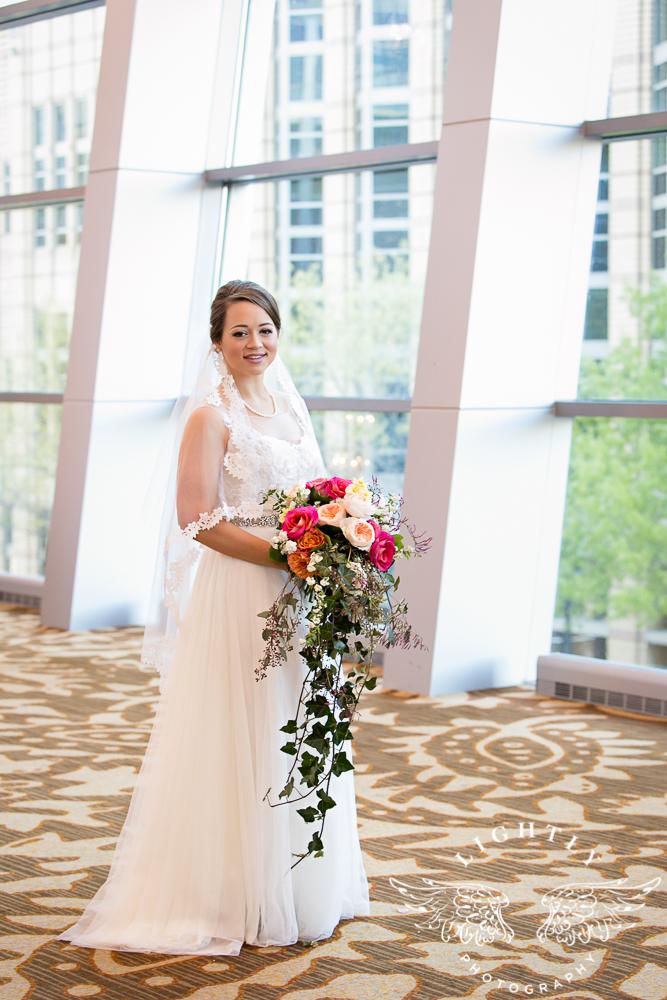 Wedding Omni Fort Worth Bridal Blooms Randy Ro Entertainment Creme de la Creme Amanda McCollum Lightly Photography-014