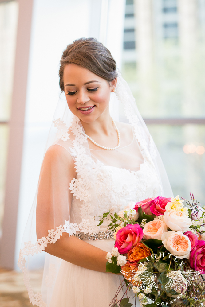 Wedding Omni Fort Worth Bridal Blooms Randy Ro Entertainment Creme de la Creme Amanda McCollum Lightly Photography-015
