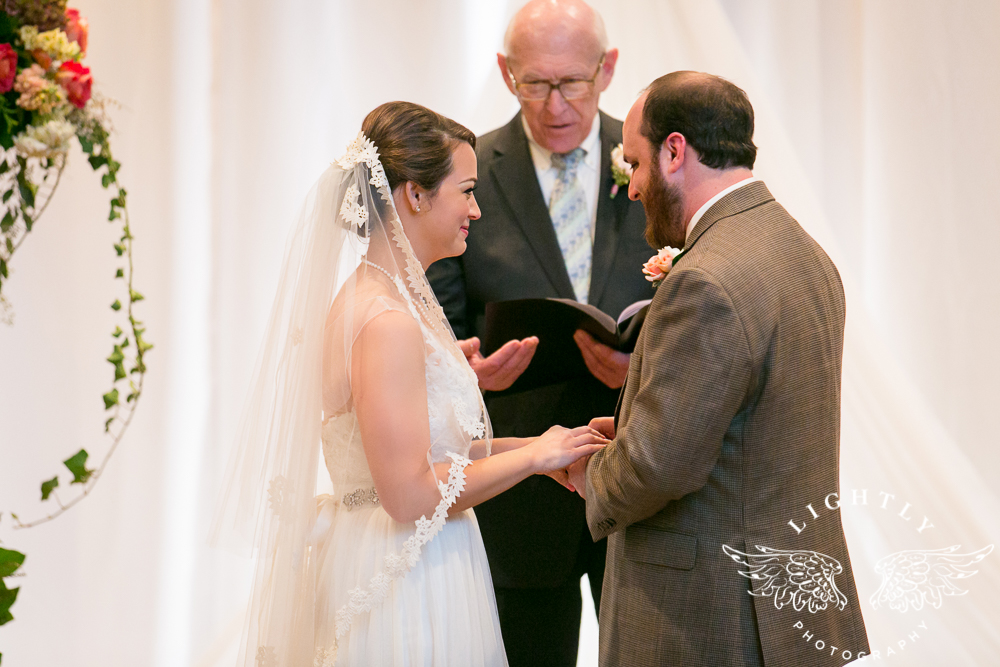 Wedding Omni Fort Worth Bridal Blooms Randy Ro Entertainment Creme de la Creme Amanda McCollum Lightly Photography-029