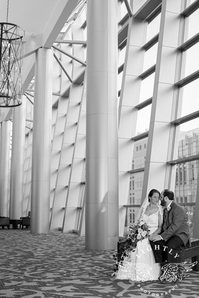 Wedding Omni Fort Worth Bridal Blooms Randy Ro Entertainment Creme de la Creme Amanda McCollum Lightly Photography-036