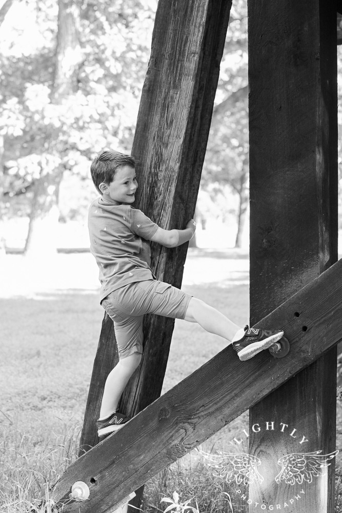 5 year portraits Trinity Park Fort Worth Photographer-004