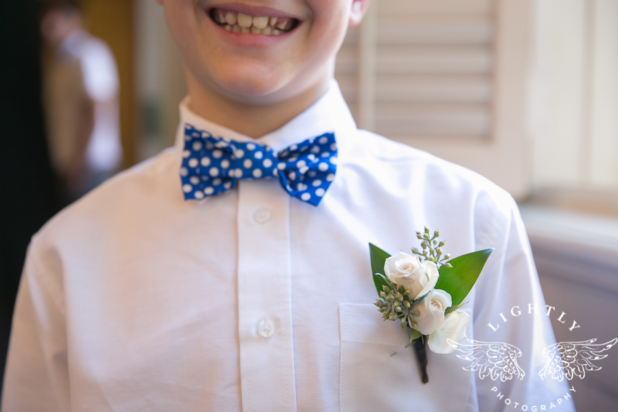 fort-worth-wedding-robert-carr-chapel-reata-bliss-bridal-salon-david-kimmel-floral-greg-beck-by-lightly-photography-0019