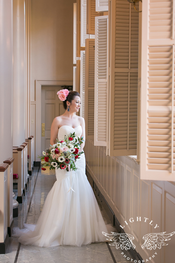 fort-worth-wedding-robert-carr-chapel-reata-bliss-bridal-salon-david-kimmel-floral-greg-beck-by-lightly-photography-0024
