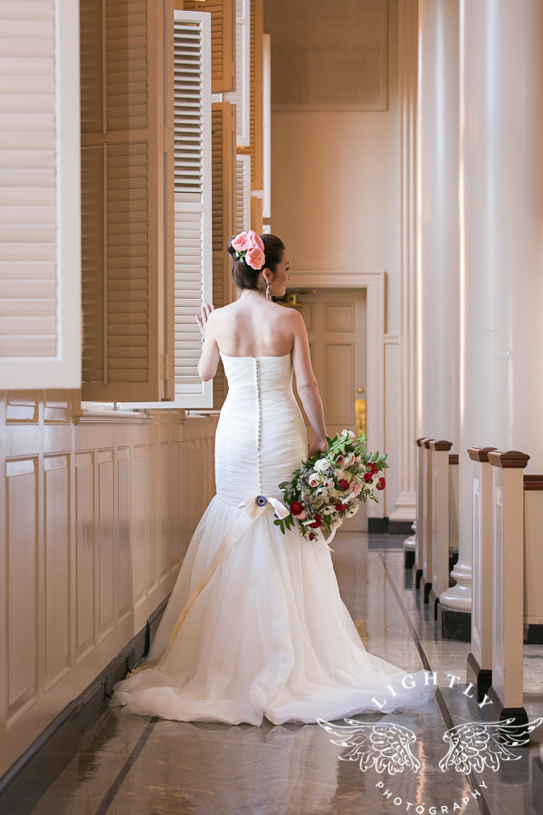 fort-worth-wedding-robert-carr-chapel-reata-bliss-bridal-salon-david-kimmel-floral-greg-beck-by-lightly-photography-0026
