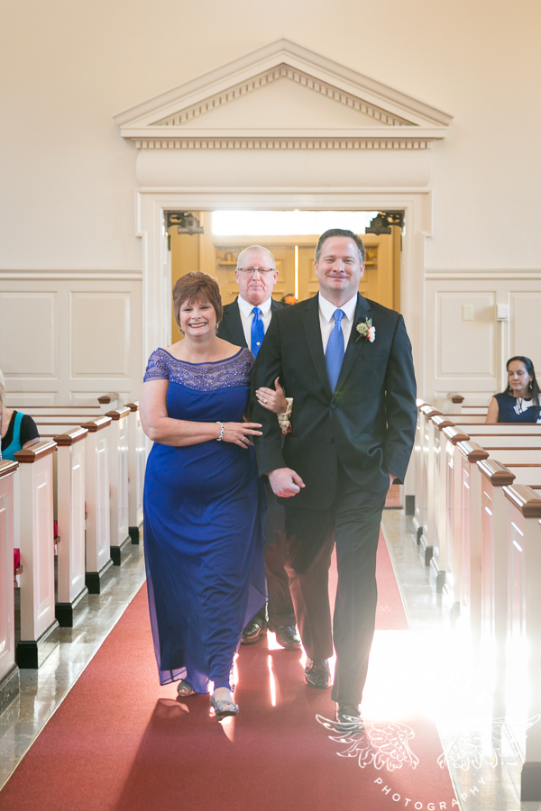 fort-worth-wedding-robert-carr-chapel-reata-bliss-bridal-salon-david-kimmel-floral-greg-beck-by-lightly-photography-0028