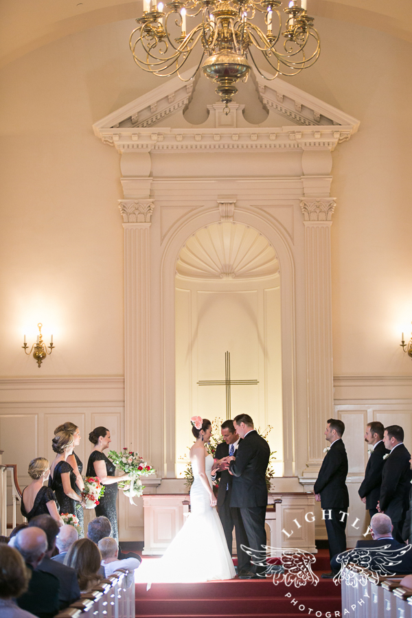 fort-worth-wedding-robert-carr-chapel-reata-bliss-bridal-salon-david-kimmel-floral-greg-beck-by-lightly-photography-0040