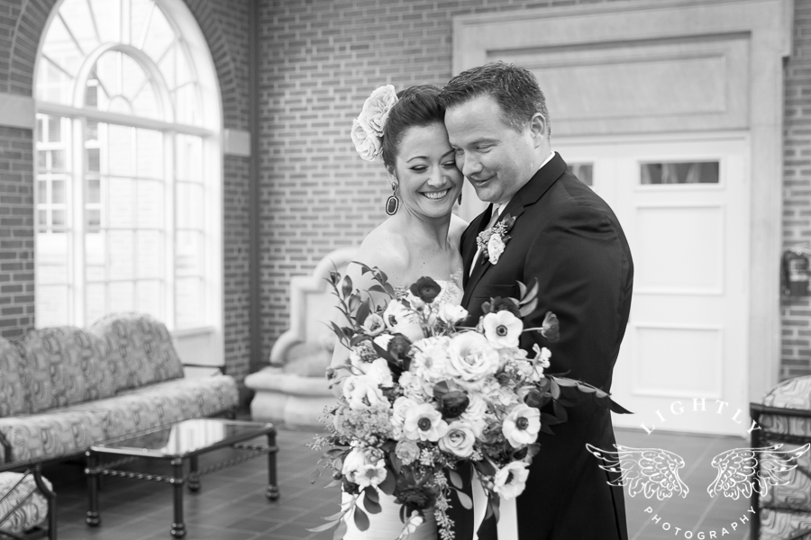 fort-worth-wedding-robert-carr-chapel-reata-bliss-bridal-salon-david-kimmel-floral-greg-beck-by-lightly-photography-0047