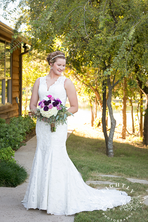 wedding-at-thistle-springs-ranch-bliss-bridal-salon-remebrance-flowers-leforce-entertainment-mens-warehouse-serendipity-events-by-tina-lightly-photography-0032