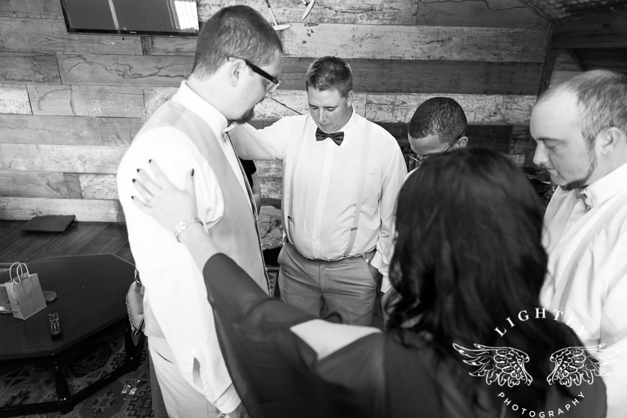 wedding-at-thistle-springs-ranch-bliss-bridal-salon-remebrance-flowers-leforce-entertainment-mens-warehouse-serendipity-events-by-tina-lightly-photography-0037