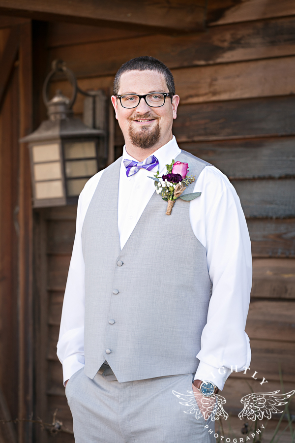 wedding-at-thistle-springs-ranch-bliss-bridal-salon-remebrance-flowers-leforce-entertainment-mens-warehouse-serendipity-events-by-tina-lightly-photography-0040