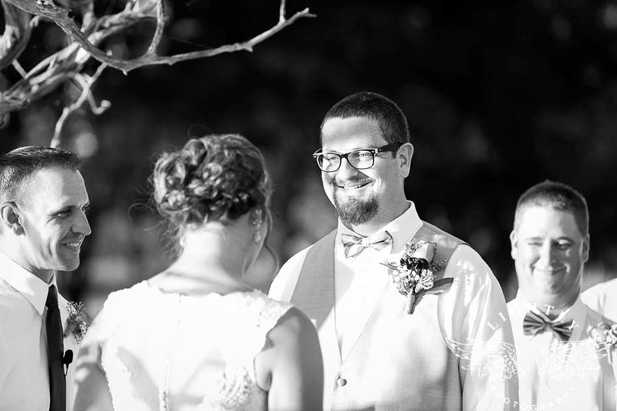 wedding-at-thistle-springs-ranch-bliss-bridal-salon-remebrance-flowers-leforce-entertainment-mens-warehouse-serendipity-events-by-tina-lightly-photography-0058