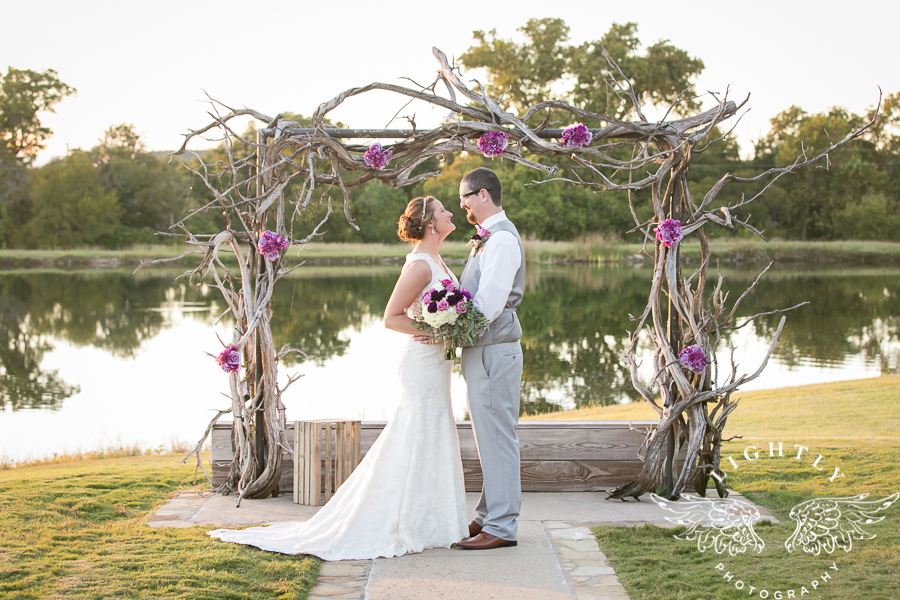 wedding-at-thistle-springs-ranch-bliss-bridal-salon-remebrance-flowers-leforce-entertainment-mens-warehouse-serendipity-events-by-tina-lightly-photography-0069