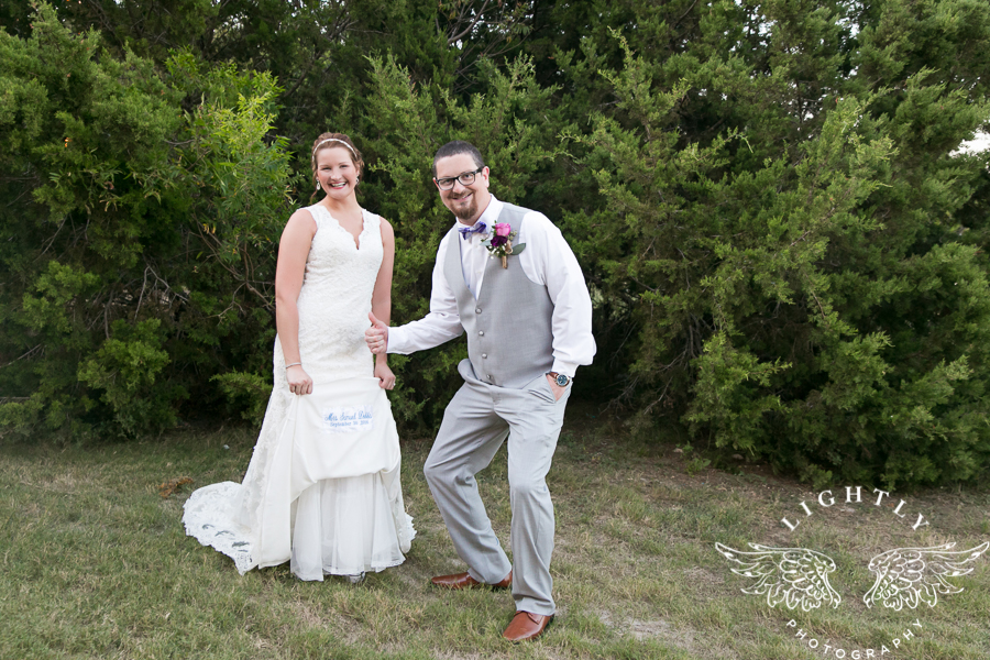wedding-at-thistle-springs-ranch-bliss-bridal-salon-remebrance-flowers-leforce-entertainment-mens-warehouse-serendipity-events-by-tina-lightly-photography-0083