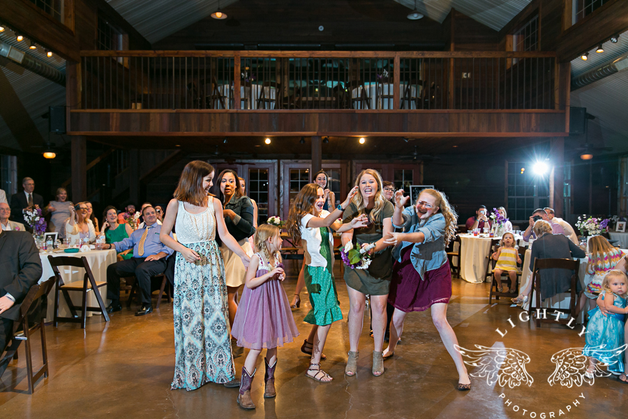 wedding-at-thistle-springs-ranch-bliss-bridal-salon-remebrance-flowers-leforce-entertainment-mens-warehouse-serendipity-events-by-tina-lightly-photography-0116