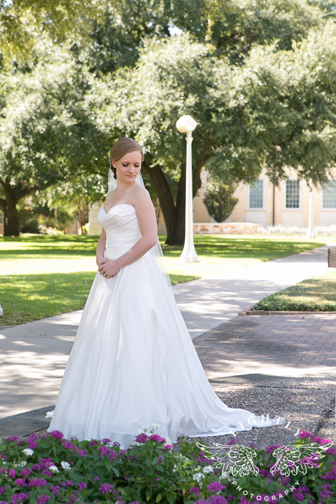 wedding-robert-carr-tcu-reata-restaurant-downtown-fort-worth-lip-service-makeup-amanda-mccollum-lightly-photography-003