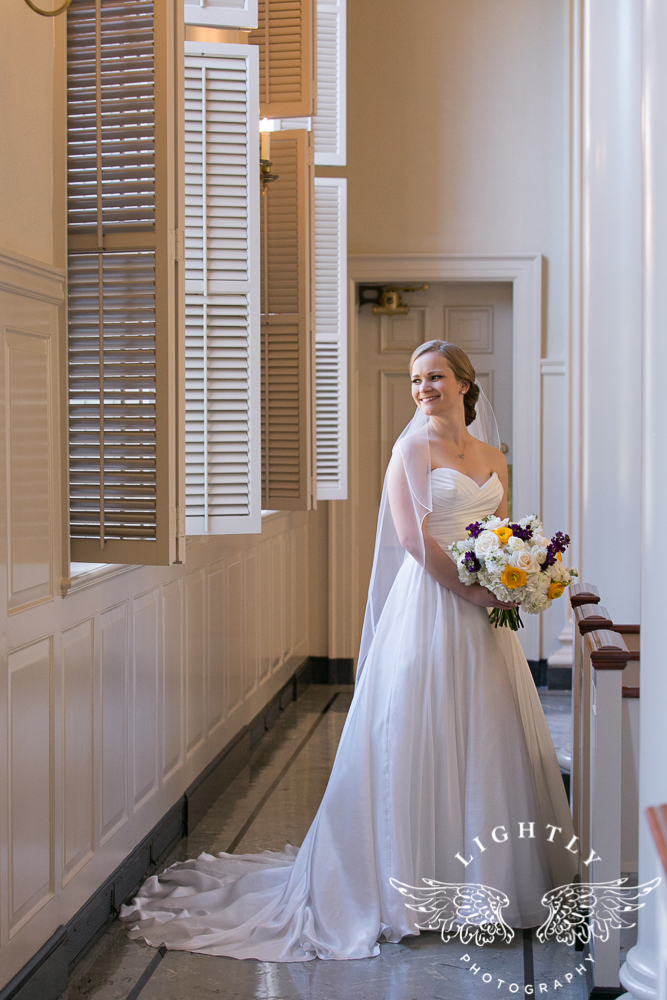 wedding-robert-carr-tcu-reata-restaurant-downtown-fort-worth-lip-service-makeup-amanda-mccollum-lightly-photography-036