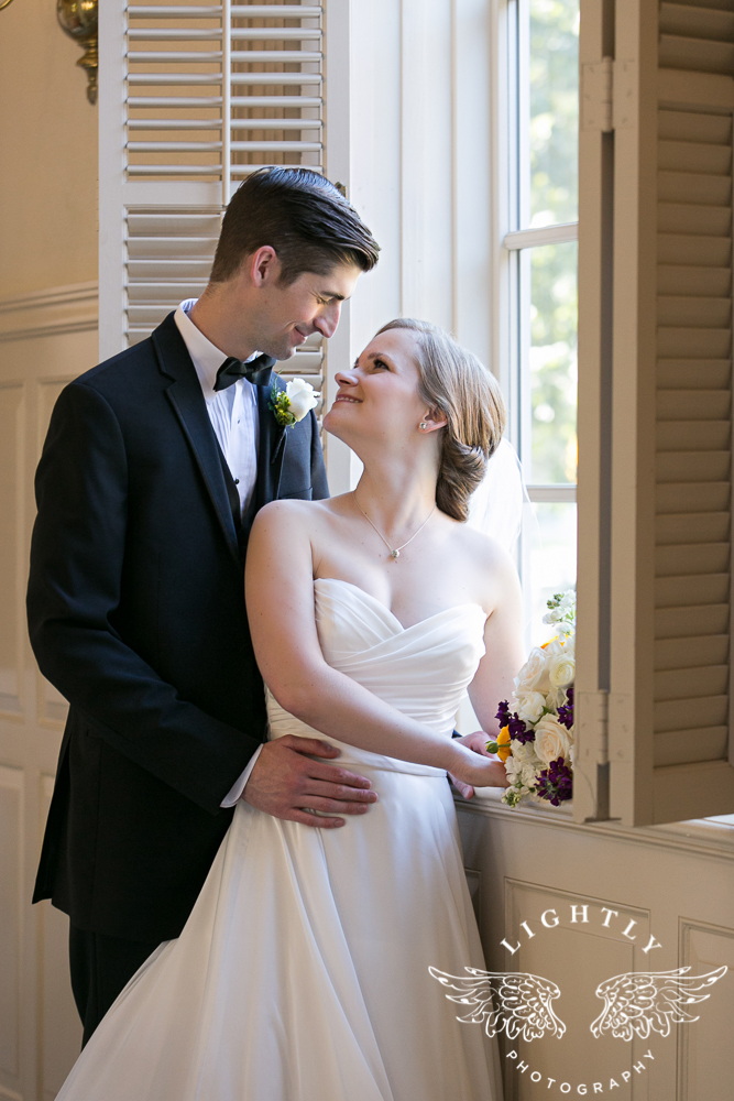 wedding-robert-carr-tcu-reata-restaurant-downtown-fort-worth-lip-service-makeup-amanda-mccollum-lightly-photography-038