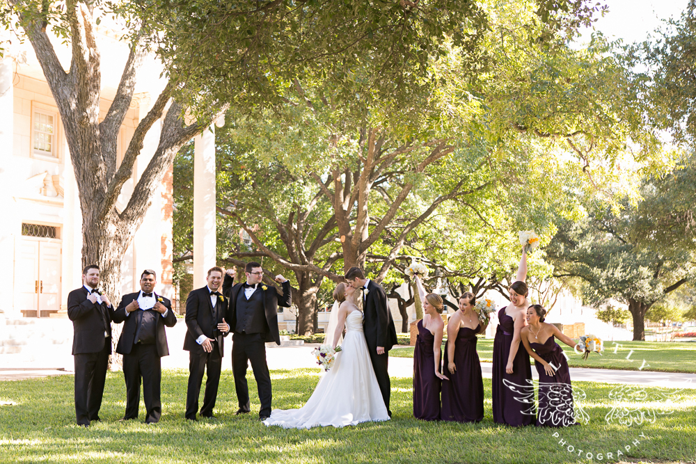 wedding-robert-carr-tcu-reata-restaurant-downtown-fort-worth-lip-service-makeup-amanda-mccollum-lightly-photography-041