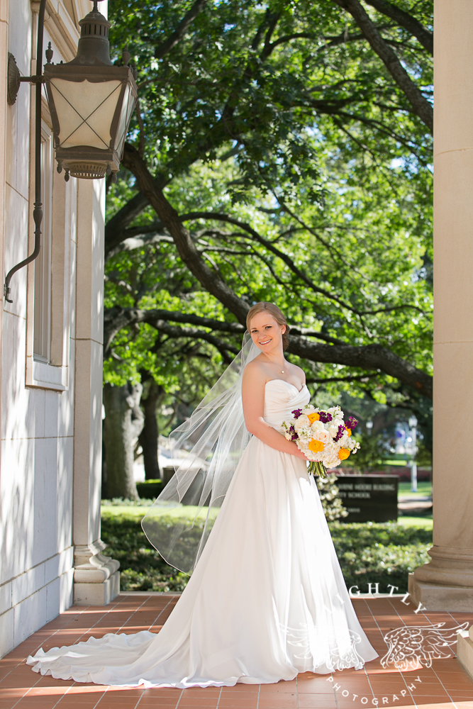wedding-robert-carr-tcu-reata-restaurant-downtown-fort-worth-lip-service-makeup-amanda-mccollum-lightly-photography-046
