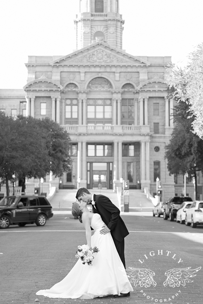 wedding-robert-carr-tcu-reata-restaurant-downtown-fort-worth-lip-service-makeup-amanda-mccollum-lightly-photography-056