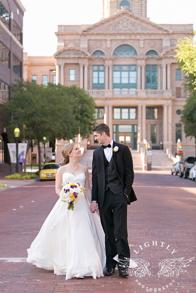 wedding-robert-carr-tcu-reata-restaurant-downtown-fort-worth-lip-service-makeup-amanda-mccollum-lightly-photography-057