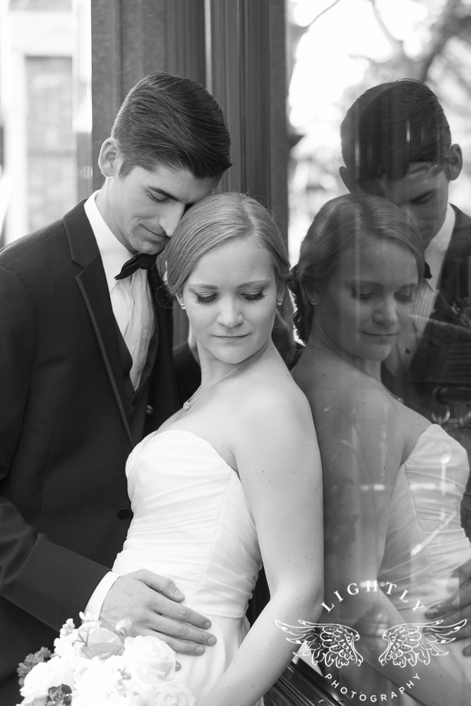 wedding-robert-carr-tcu-reata-restaurant-downtown-fort-worth-lip-service-makeup-amanda-mccollum-lightly-photography-058