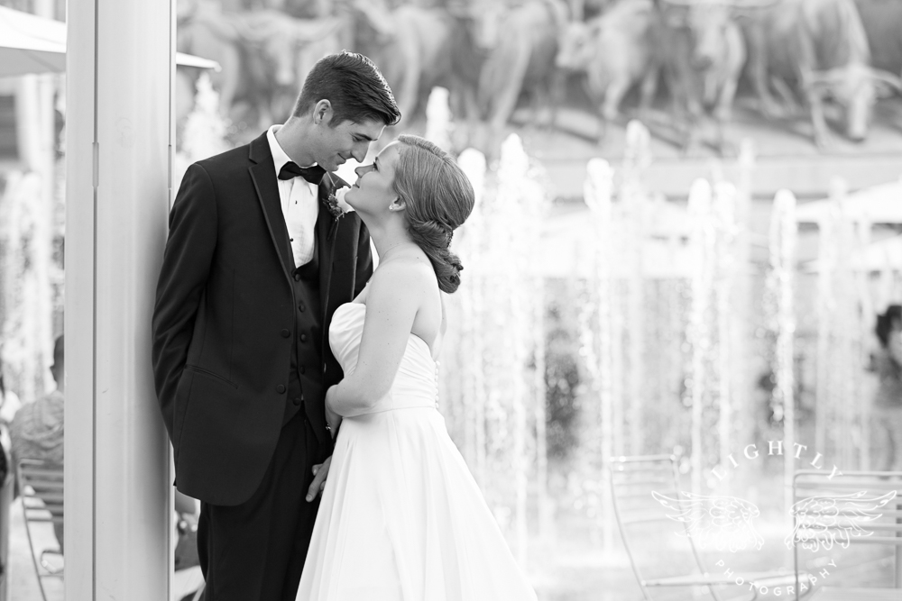 wedding-robert-carr-tcu-reata-restaurant-downtown-fort-worth-lip-service-makeup-amanda-mccollum-lightly-photography-063
