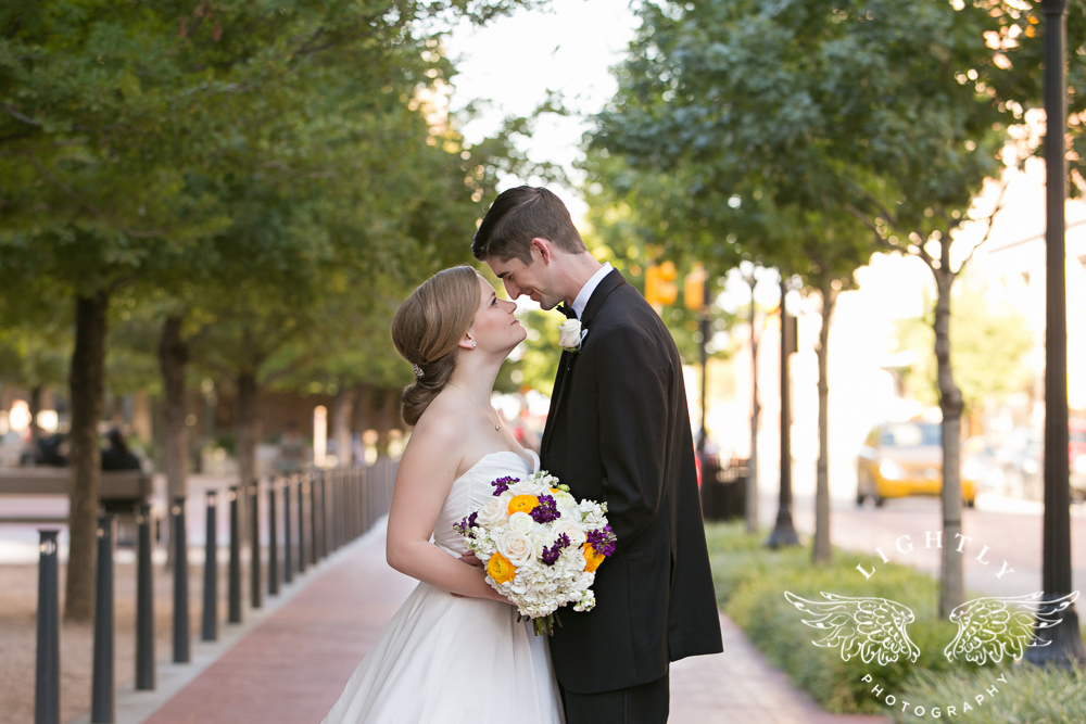 wedding-robert-carr-tcu-reata-restaurant-downtown-fort-worth-lip-service-makeup-amanda-mccollum-lightly-photography-065