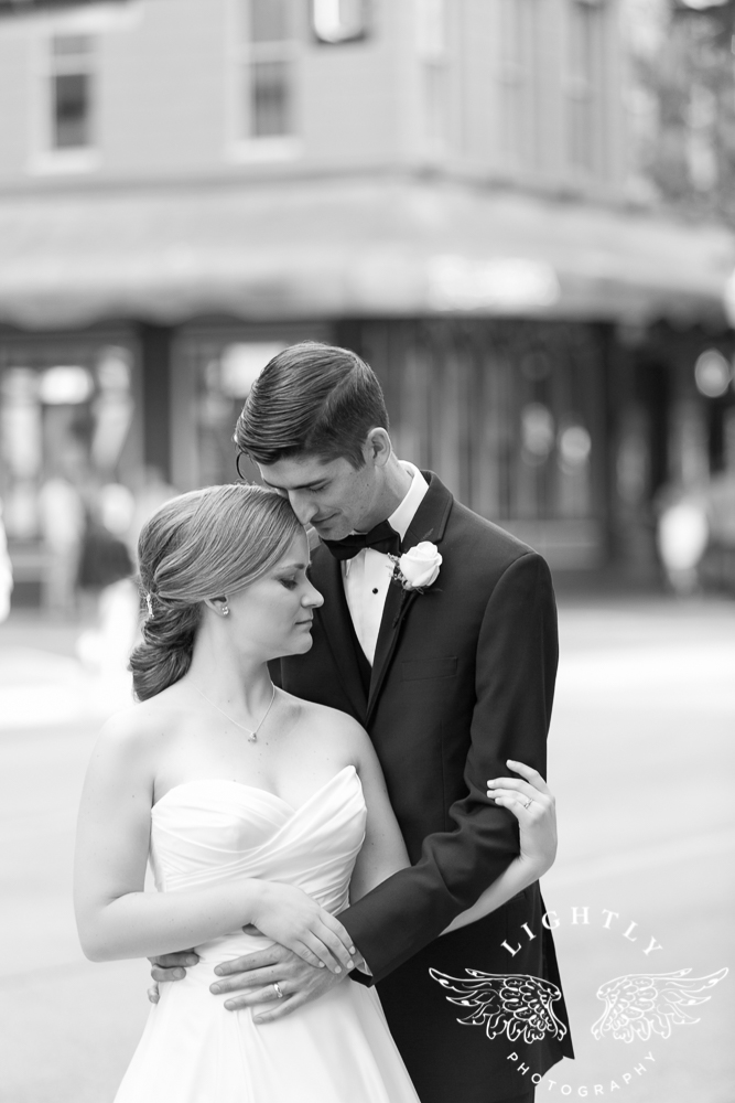 wedding-robert-carr-tcu-reata-restaurant-downtown-fort-worth-lip-service-makeup-amanda-mccollum-lightly-photography-066