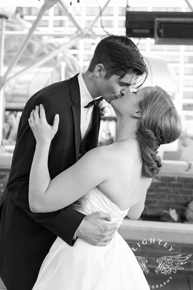 wedding-robert-carr-tcu-reata-restaurant-downtown-fort-worth-lip-service-makeup-amanda-mccollum-lightly-photography-070