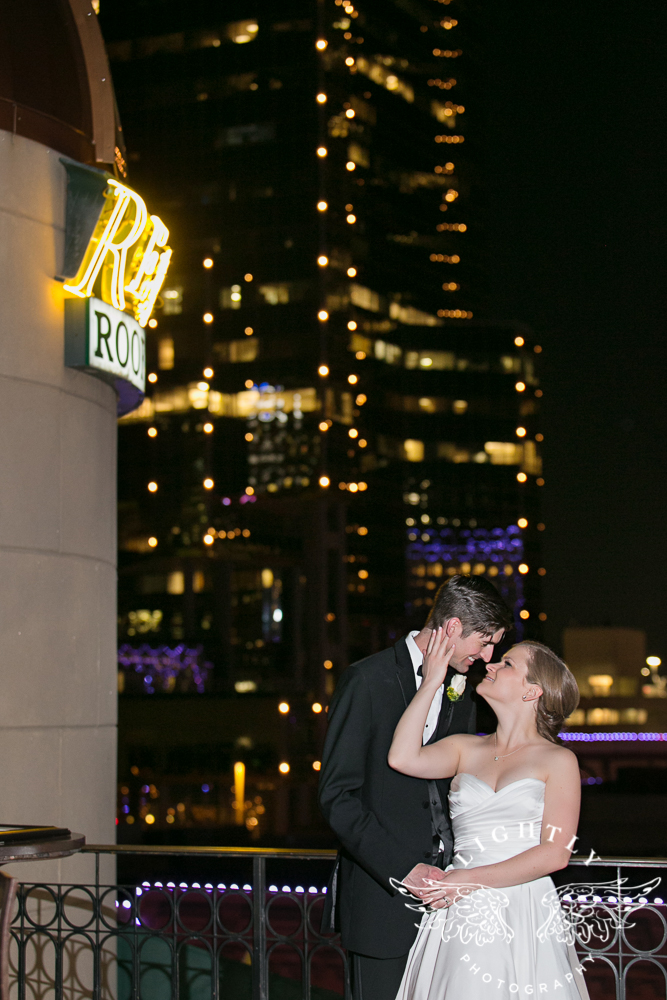 wedding-robert-carr-tcu-reata-restaurant-downtown-fort-worth-lip-service-makeup-amanda-mccollum-lightly-photography-079