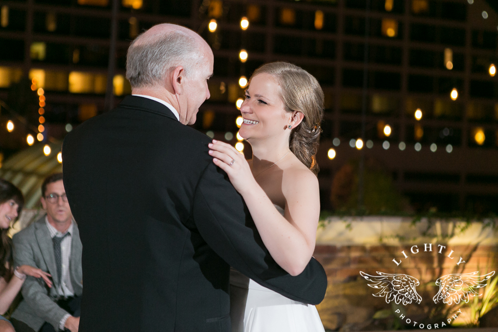 wedding-robert-carr-tcu-reata-restaurant-downtown-fort-worth-lip-service-makeup-amanda-mccollum-lightly-photography-080