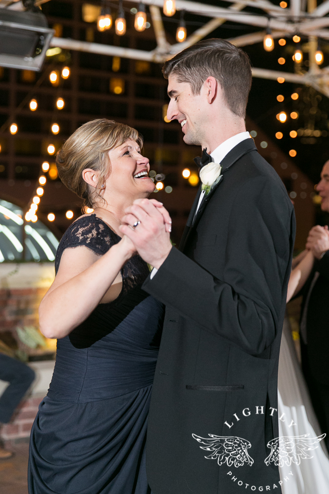 wedding-robert-carr-tcu-reata-restaurant-downtown-fort-worth-lip-service-makeup-amanda-mccollum-lightly-photography-082