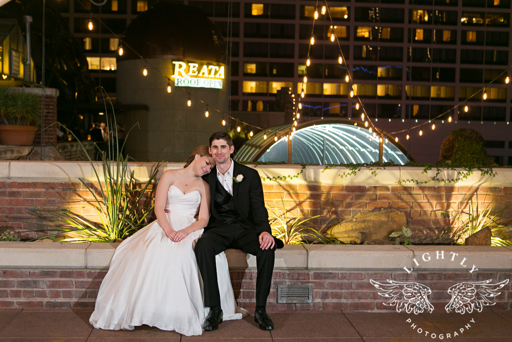 wedding-robert-carr-tcu-reata-restaurant-downtown-fort-worth-lip-service-makeup-amanda-mccollum-lightly-photography-099