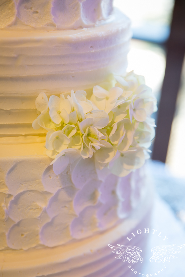 dallas-wedding-city-place-towers-lizzie-bees-flowers-lightly-photography-0018