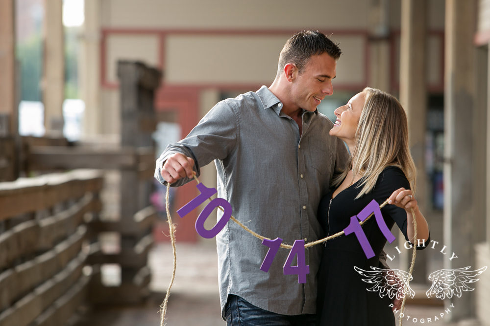 engagement-session-fort-worth-stockyards-downtown-fort-worth-amanda-mccollum-lightly-photography-001