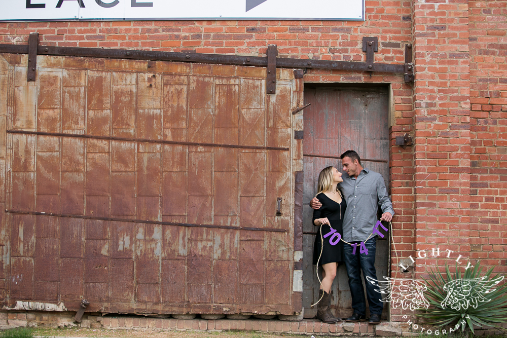 engagement-session-fort-worth-stockyards-downtown-fort-worth-amanda-mccollum-lightly-photography-006