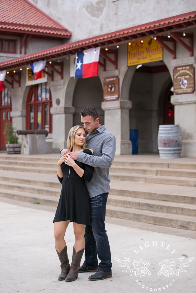 engagement-session-fort-worth-stockyards-downtown-fort-worth-amanda-mccollum-lightly-photography-011