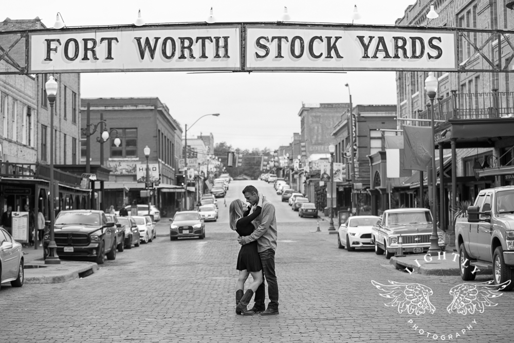 engagement-session-fort-worth-stockyards-downtown-fort-worth-amanda-mccollum-lightly-photography-014
