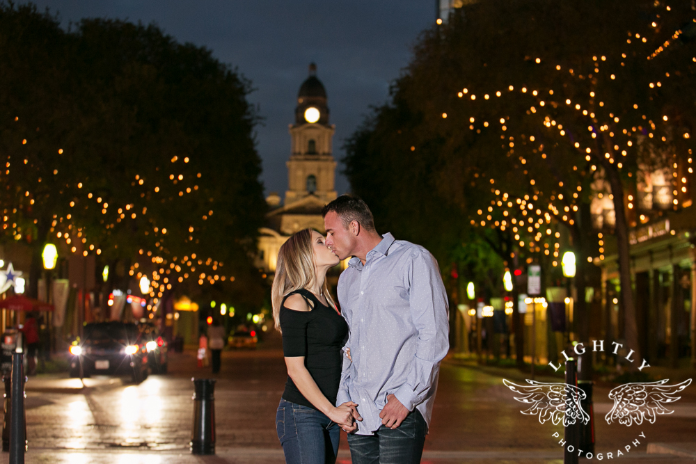 engagement-session-fort-worth-stockyards-downtown-fort-worth-amanda-mccollum-lightly-photography-015