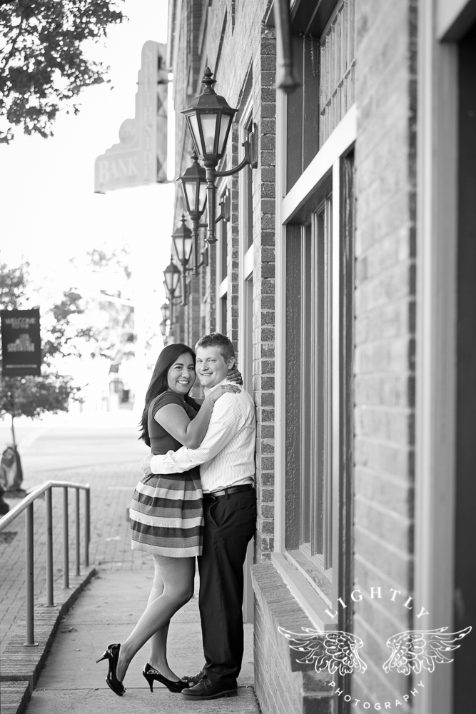 engagement-session-magnolia-ave-trinity-park-fort-worth-amanda-mccollum-lightly-photography-002