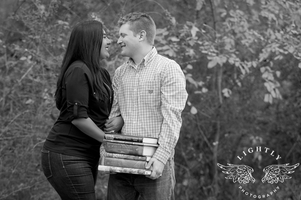 engagement-session-magnolia-ave-trinity-park-fort-worth-amanda-mccollum-lightly-photography-020