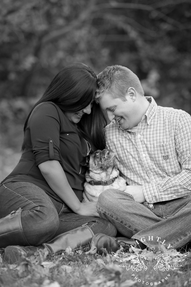 engagement-session-magnolia-ave-trinity-park-fort-worth-amanda-mccollum-lightly-photography-024
