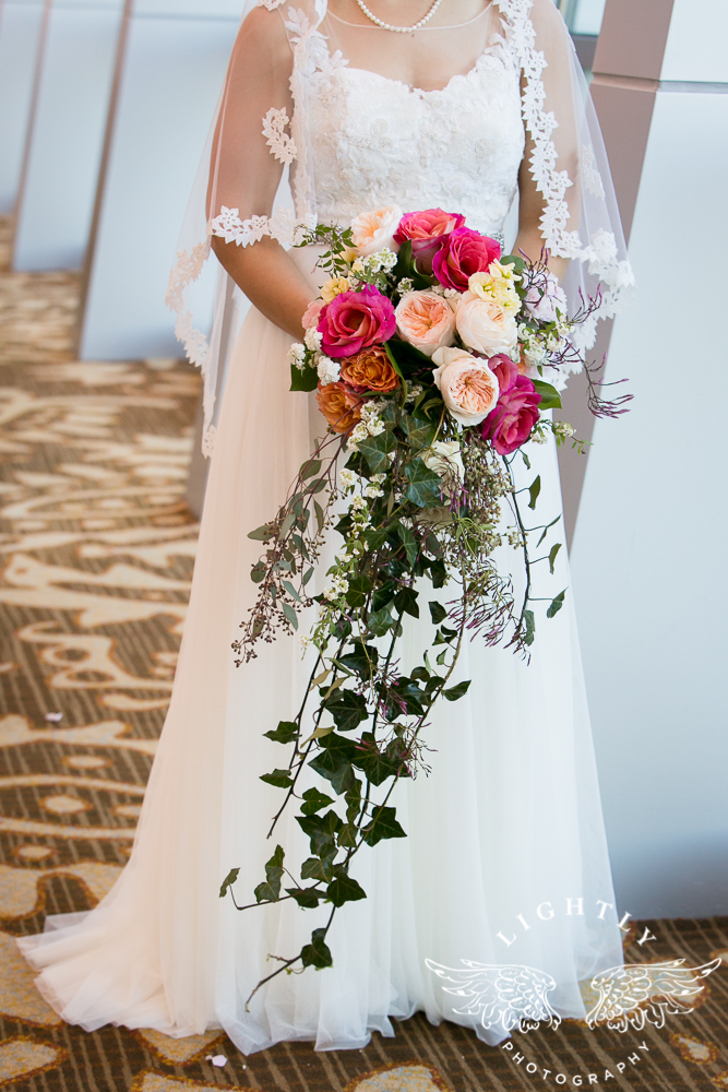 Wedding details Omni Fort Worth Bridal Blooms Randy Ro Entertainment Creme de la Creme Cakes Amanda McCollum Lightly Photography-005