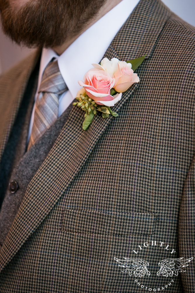 Wedding details Omni Fort Worth Bridal Blooms Randy Ro Entertainment Creme de la Creme Cakes Amanda McCollum Lightly Photography-011