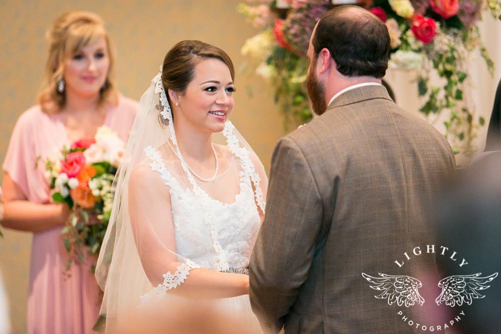 Wedding Omni Fort Worth Bridal Blooms Randy Ro Entertainment Creme de la Creme Amanda McCollum Lightly Photography-027