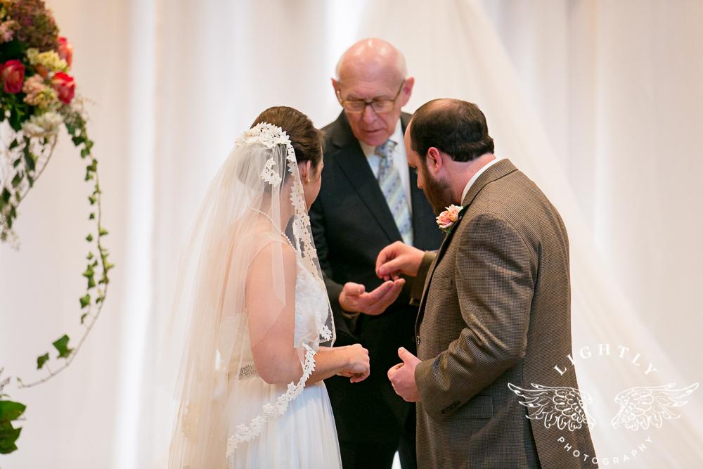Wedding Omni Fort Worth Bridal Blooms Randy Ro Entertainment Creme de la Creme Amanda McCollum Lightly Photography-028